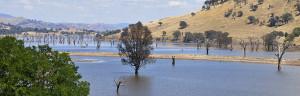 2012.01.29 – Путешествие по Австралии: Hume Lake – Озеро Хьюм – Необычные озера Австралии
