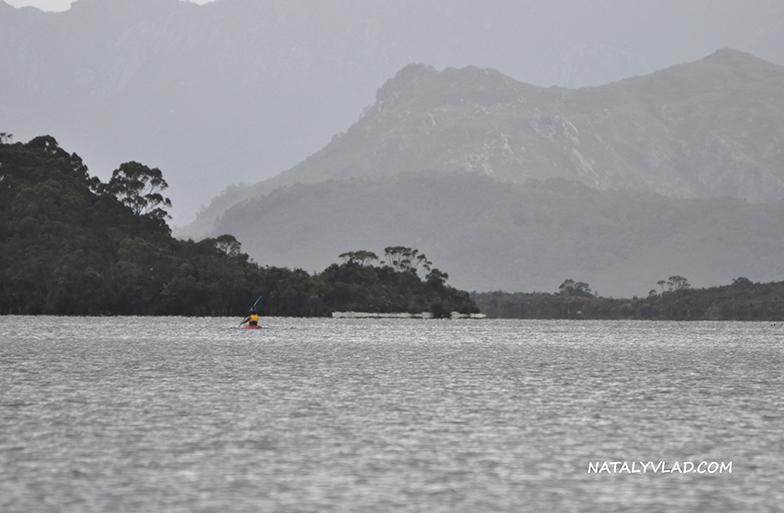 2012-12-30 - Катаемся на байдарках на озере Lake Pedder, Тасмания