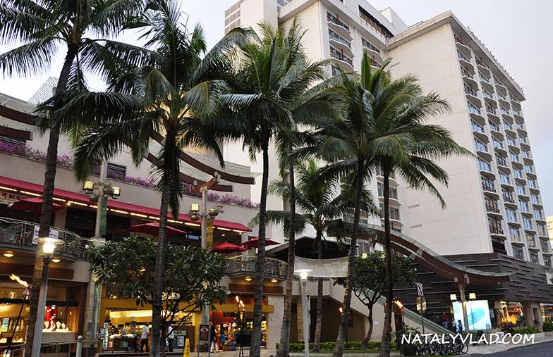2013-02-05 - Waikiki Beach Walk, Honolulu, Hawaii