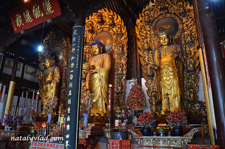 Loghua Temple, Shanghai