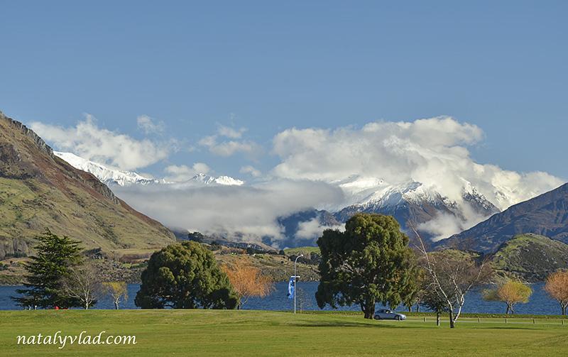 Новая Зеландия отдых Горы озеро облака Лужайка