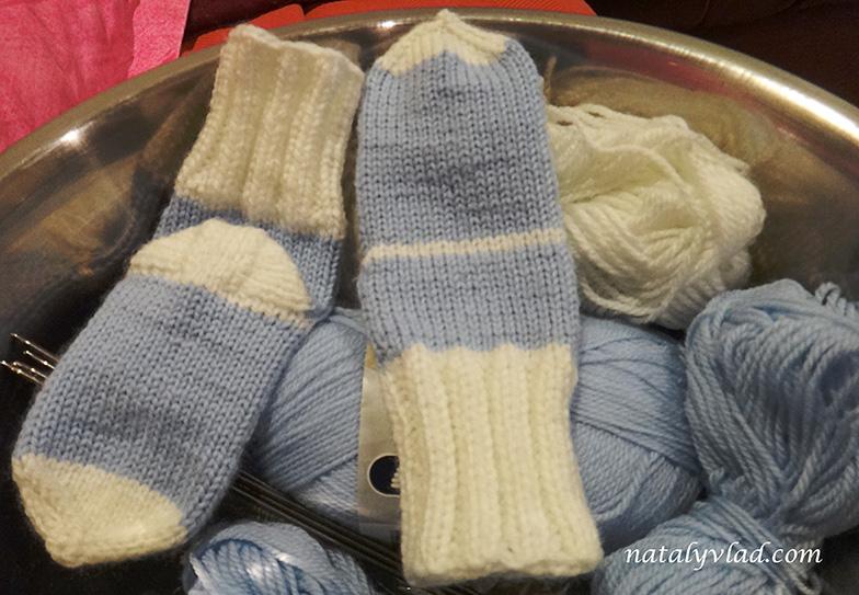 Вязаные носки на спицах Детские носочки