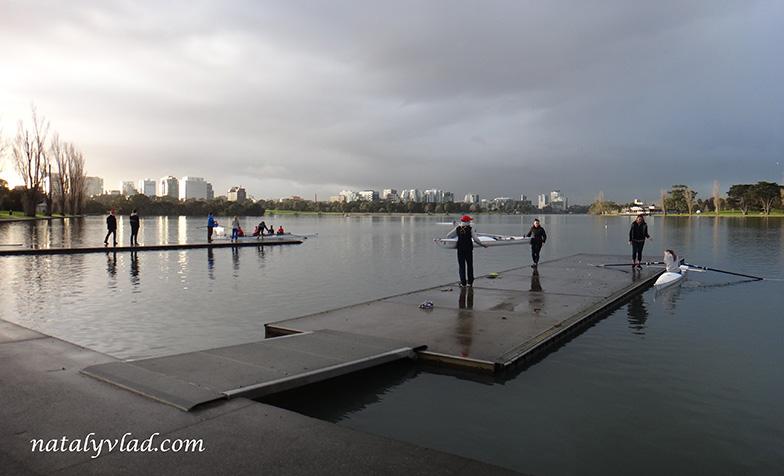 Жизнь в Австралии Блог Тренировка Гребля Каяки Озеро