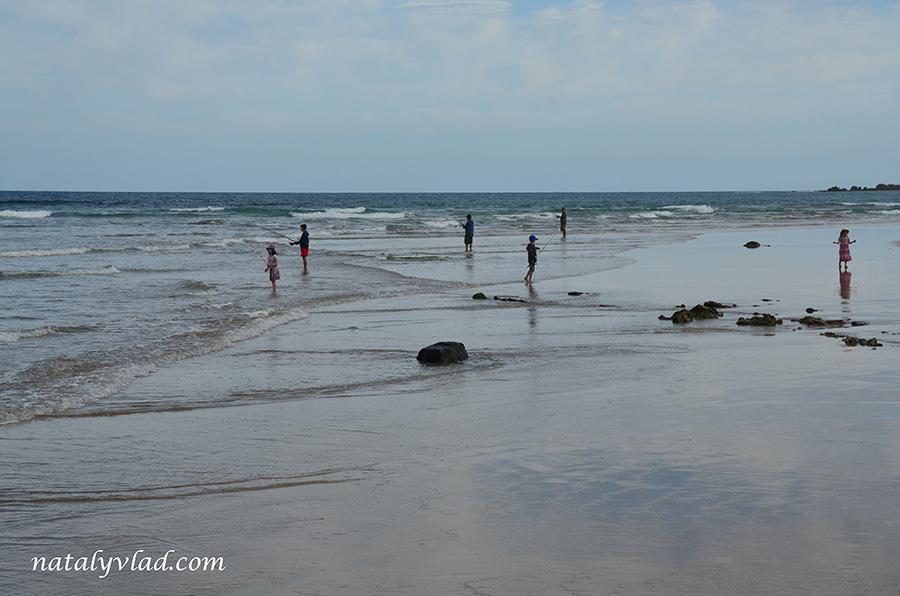 Рыбалка в Австралии Рыбаки на пляже