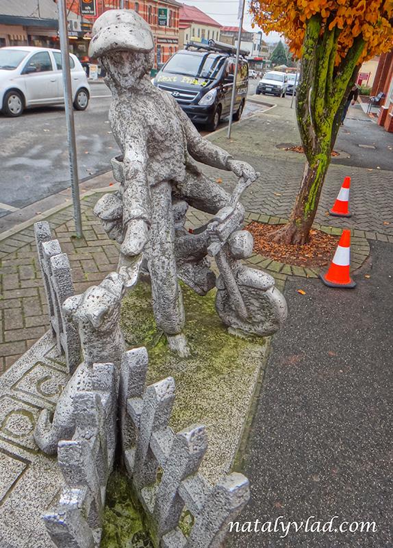 Тасмания Делорейн Фигурки на улице