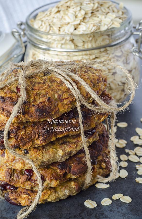 Овсяное печенье с бананом клюквой орехами семенами льна