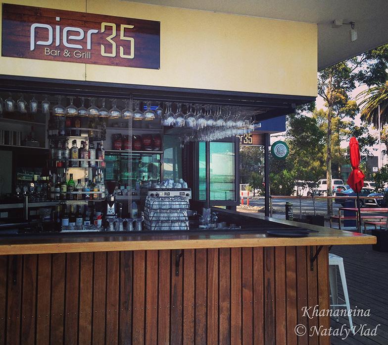 Кафе Pier 35 в Порт Мельбурне с видами на реку Ярра
