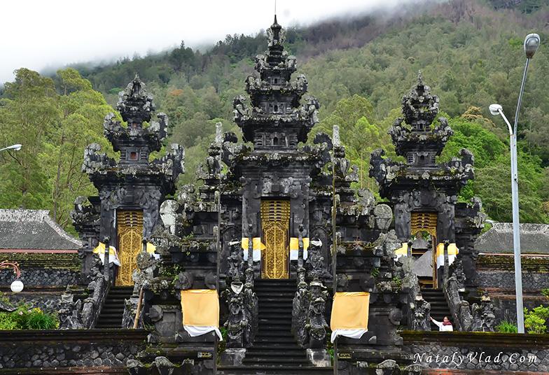 Бали Гора Агунг Храм